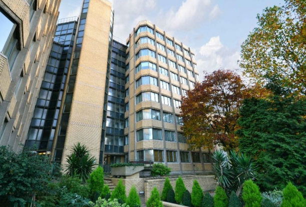 3 bedroom 2 bathroom apartment on St John's Wood.