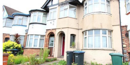 4 bedroom mid-terraced house