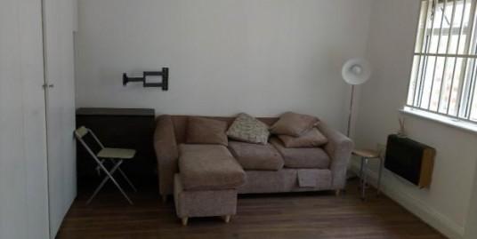Ground floor studio flat to rent.