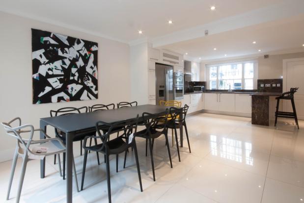5 Bedroomed house In Kensington
