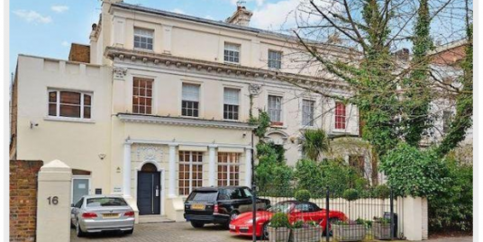 Four-bedroom newly refurbished apartment