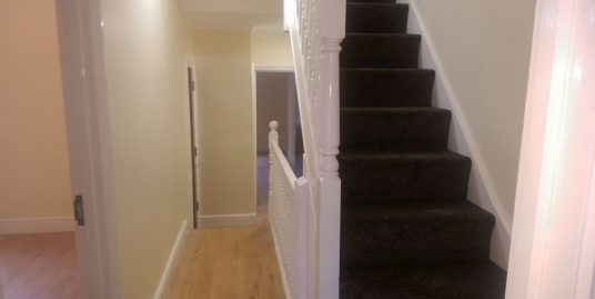 3 bedroom split level flat